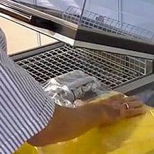 Bedienung eines Haubenschrumpfgeräts